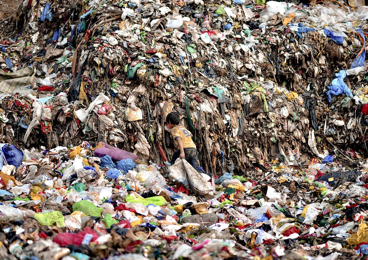 Graumann Ruth Bild 7 - Ein Leben auf der Müllhalde