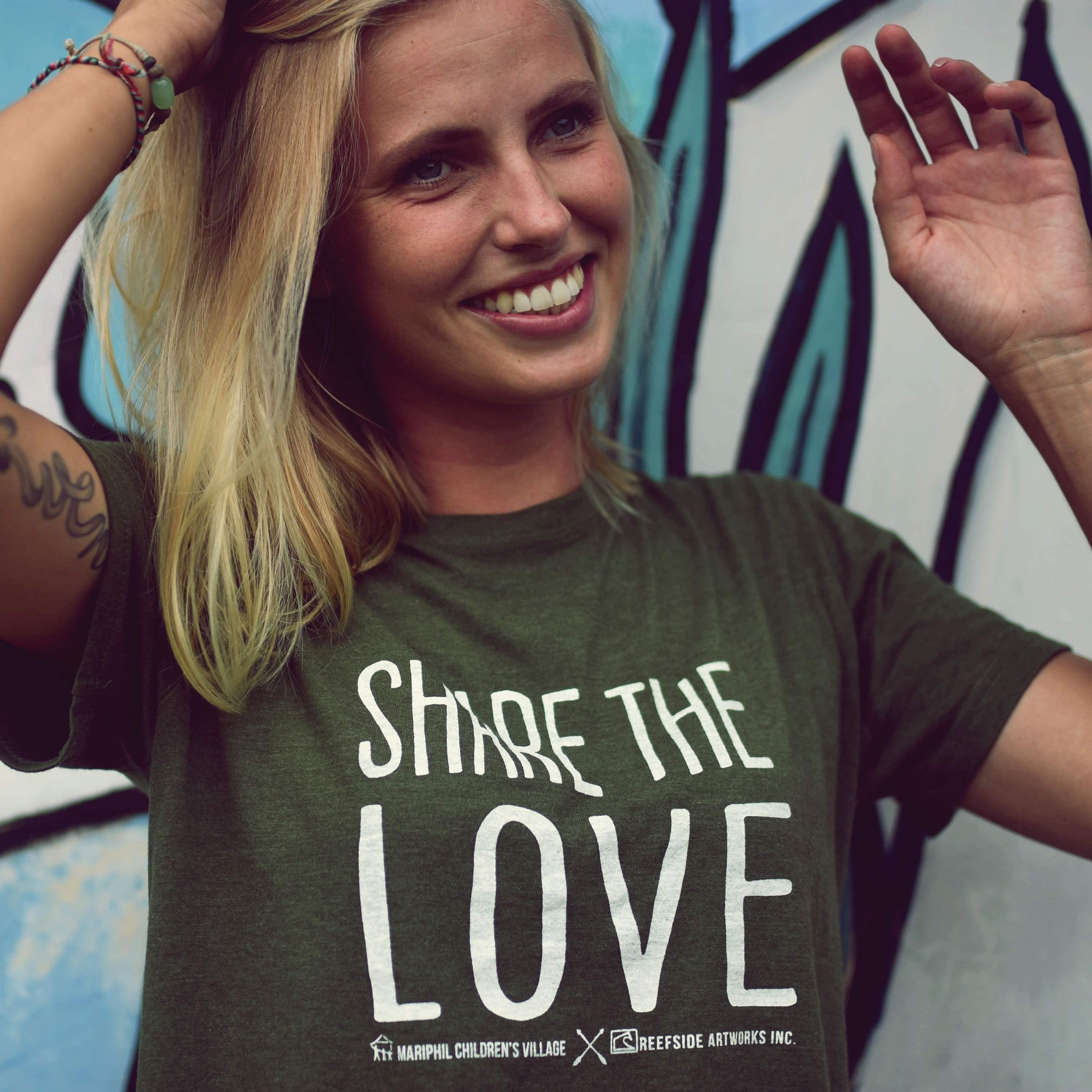 DSC 8519 - Share the love T-shirts