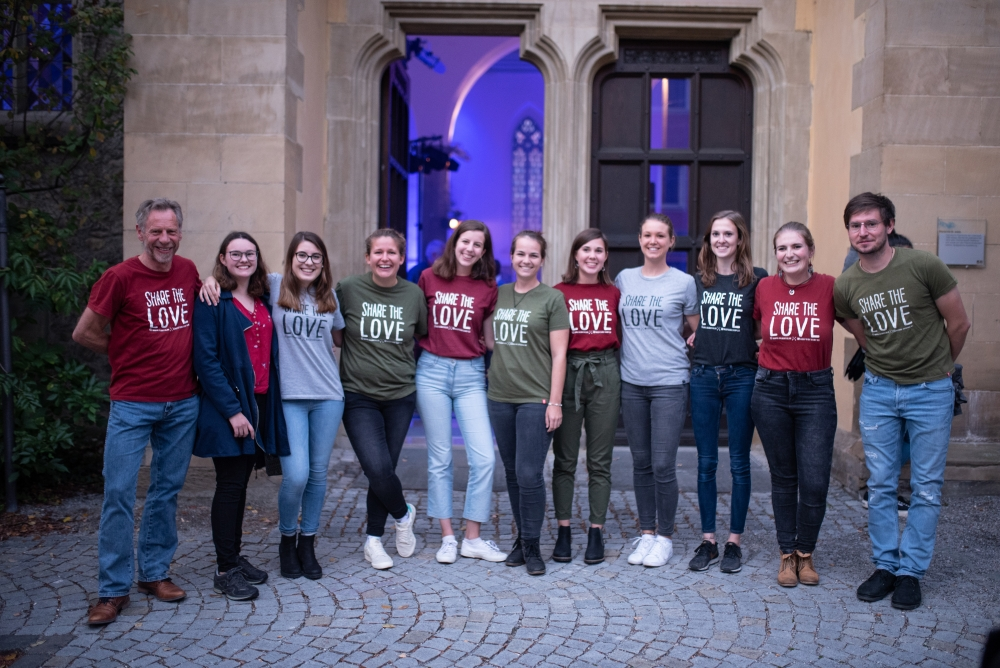 DSC 1539 - Share the love T-shirts